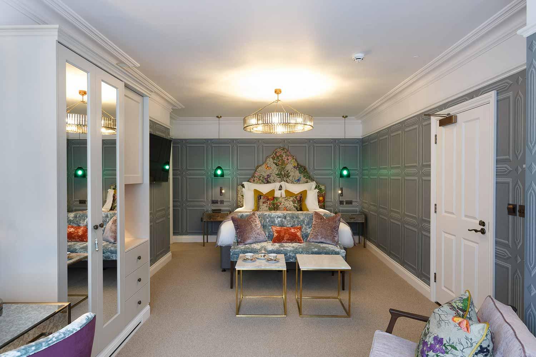 Lavendula Feature Room