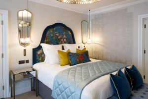 Hypnos King-size bed with Elite Cashmere Mattress in the Delphinium feature room