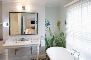 One of the en-suite bathrooms in our feature bedrooms
